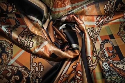 Атлас шелковый с эластаном (купон)