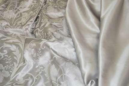 Атлас шелковый серый (280 см)