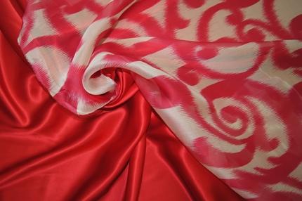 Атлас шелковый красный