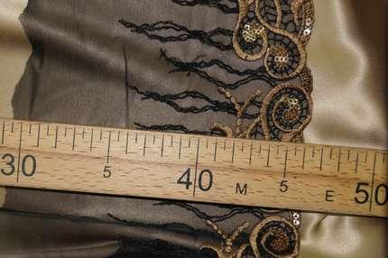 Тесьма с вышивкой и пайетками