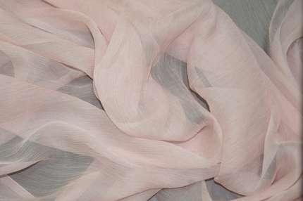 Шифон шелковый жатый розовый