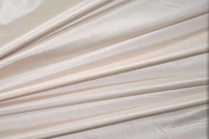 Тафта шелковая бледно-розовая