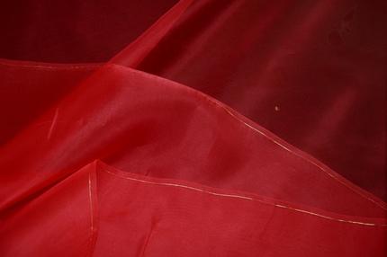 Органза шелковая красная