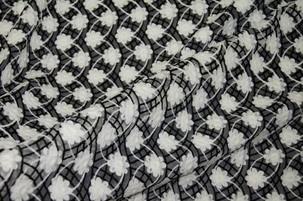 Вышивка на сетке