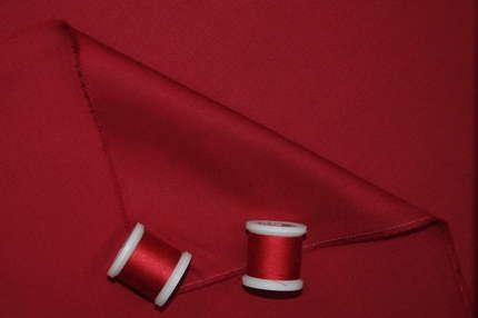 Шерсть костюмная тёмно-красная