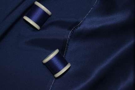 Атлас шелковый синий