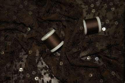 Вышивка с пайетками на сетке